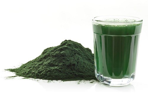 Spirulina detox breakfast drink