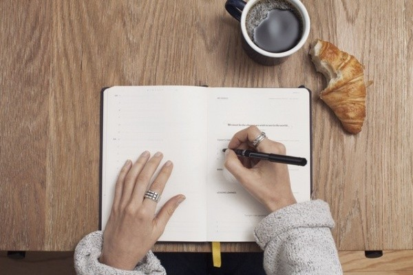 ways food journaling helps you lose weight